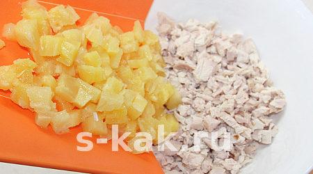 "Вкусный салат ""Копченая курица с ананасами"". Шаг 4"
