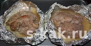 Как приготовить свинину в фольге