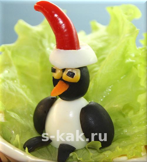 Украшение новогоднего стола. Пингвин