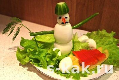 как сделать украшение на стол в виде снеговика