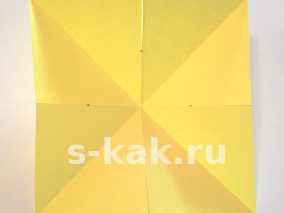 Объемная звезда из бумаги. Шаг 3