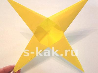 Как сделать объемную звезду из бумаги. Шаг 5
