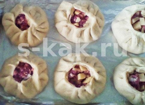 Процесс сборки и выпекания татарских вак беляшей в духовке
